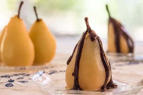 Recipe of Pressure Cooker Cinnamon Poached Pears with Chocolate Sauce