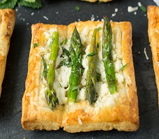 Recipe of ASPARAGUS, MINT AND RICOTTA TARTLETS