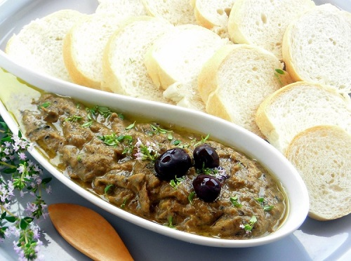 Recipe of PRESSURE COOKER EGGPLANT AND OLIVE SPREAD