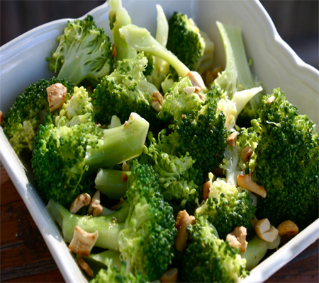Recipe of Broccoli with Garlic Butter and Cashews